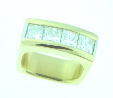 custom ring, square diamonds, 18kt ring